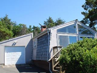Bohemia Bungalow R--542 Waldport Oregon vacation rental - Waldport vacation rentals