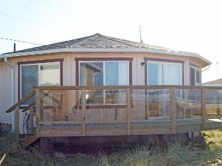 Browne House--R212 Waldport Oregon Ocean Front vacation rental. - Waldport vacation rentals