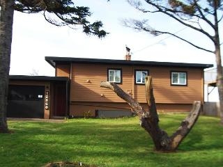 Sandalwood-R516   Seal Rock Oregon high bank ocean front vacation rental - Waldport vacation rentals