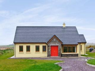 SHEEHAN COTTAGE , country holiday cottage, with a garden in Waterville, County Kerry, Ref 4653 - County Kerry vacation rentals