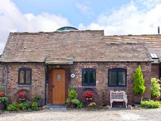 RICKYARD COTTAGE, romantic, character holiday cottage, with a garden in Leighton, Ref 8402 - Shropshire vacation rentals