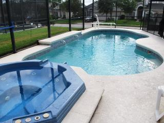 4BR Large Pool and Jacuzzi, Gated, Luxury, Games, 10 mins Disney - Davenport vacation rentals