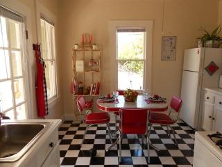 Caza de Coco -  Hubba Hubba Get Down Downtown - Santa Barbara vacation rentals