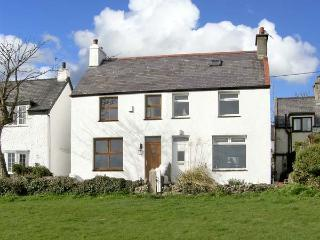 KEEPER'S COTTAGE, family friendly, with a garden in Moelfre, Isle Of Anglesey, Ref 5110 - Island of Anglesey vacation rentals