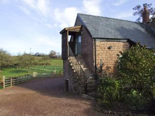 THE OLD GRANARY, romantic, luxury holiday cottage, with a garden in Wormelow, Ref 4450 - Hereford vacation rentals