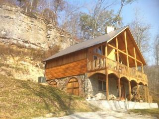 Wine Cellar Cabin in the Kentucky Rockies - Stanton vacation rentals
