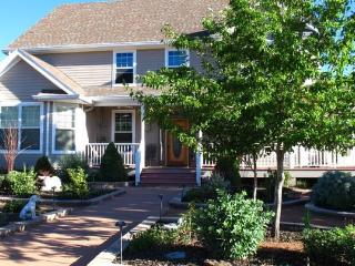 Up the Creek Bed and Breakfast - Strawberry vacation rentals
