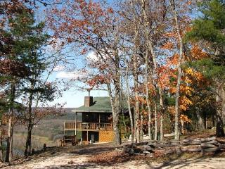 Can U Canoe Cabin 102 - Catch of the Day - Eureka Springs vacation rentals