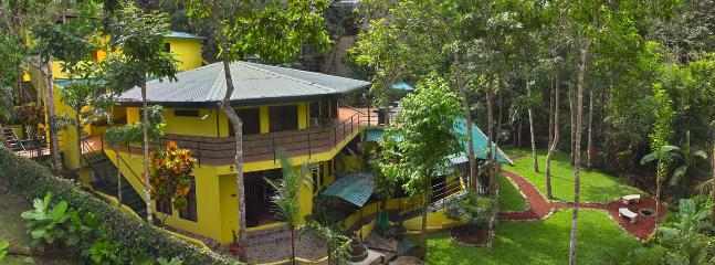 Side view of property - Home Away for Home (8 bdrms, 5 bth) - Manuel Antonio - rentals
