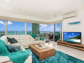 Beachlife Sea Spray Sleeps 8   Luxury Condo  Sea Views - Darwin vacation rentals