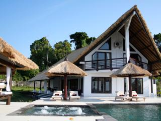 Villa Lagu - Luxury villa with pool & jacuzzi - Lovina Beach vacation rentals