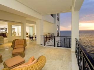 Oceanfront Luxury in the Heart of Puerto Vallarta! - Hermosa Beach vacation rentals
