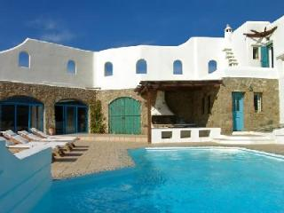 Hilltop haven Aeolos with dazzling ocean and island views, serene pool & terrace - Houlakia vacation rentals