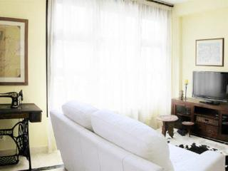 Madrid Casa Encendida apartment with Swimmingpool - World vacation rentals
