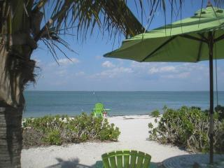 Caper Beach Cottage Just Right for 2; Kayaks Bikes - North Captiva Island vacation rentals