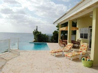 Pure tropical luxury with ocean view - Willemstad vacation rentals