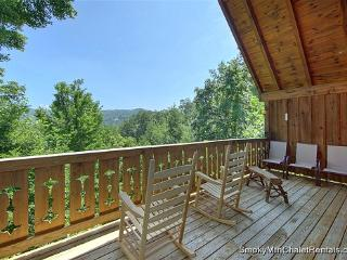 Morning Glory Log Cabin 3 Bedroom Log Chalet - Gatlinburg vacation rentals