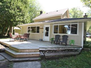 Scenic Symon Getaway cottage (#690) - Sauble Beach vacation rentals