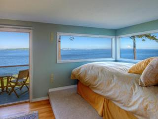 Rising Moon Beach House Waterfront Vacation Rental - Bainbridge Island vacation rentals
