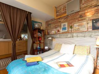 Charming studio w/ private terrace close to city center - Barcelona vacation rentals