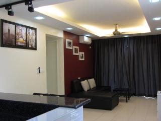 Summer Stay - 3 Bedroom Condo in Damansara Perdana - Wilayah Persekutuan vacation rentals
