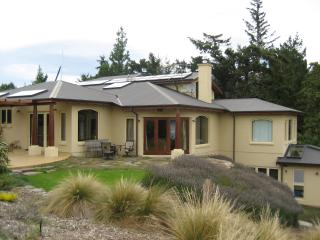 Far Pavilion Lakeside Luxury Lodge Wanaka NZ - Wanaka vacation rentals