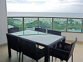 Stunning Ocean Views and 5 mins. walk to the Beach - Panama vacation rentals