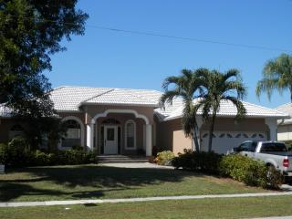 Marco Island Waterfront with Bay views on Apataki Ct - Marco Island vacation rentals