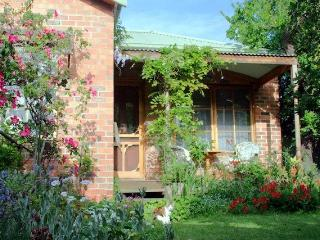 Askrigg Cottage - Moonee Ponds vacation rentals