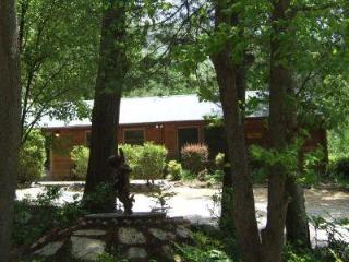Mike's Place at Asheville Cabins of Willow Winds - Asheville vacation rentals
