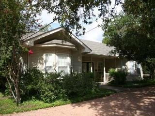 Green's Guest House - Texas Hill Country vacation rentals