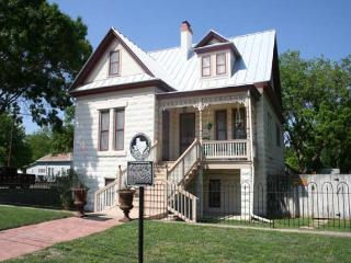 Baines House Bed and Breakfast - Upstairs Suite - Fredericksburg vacation rentals