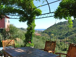 Villa delle Rose between Portofino and CinqueTerre - Liguria vacation rentals