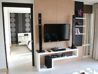beautiful 1-bedroom condo in the  heart of hua hin - Hua Hin vacation rentals