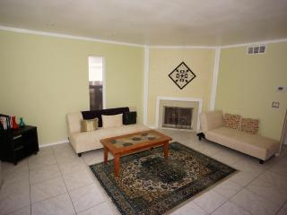 Big new 2-bedroom house three blocks from beach - San Diego vacation rentals