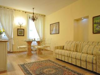 Elegant Florence apartment in the historic center - Florence vacation rentals