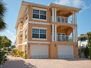 Absolutely Perfect Fun on 5th! - Bradenton Beach vacation rentals