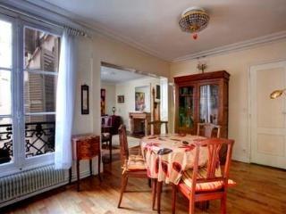 Papillon - 2272 - Paris - Milan vacation rentals