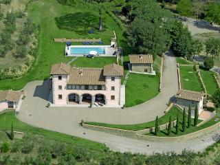 Villa Casaforte, 6 splendid apartments in the authentic Chianti. - Chianti vacation rentals