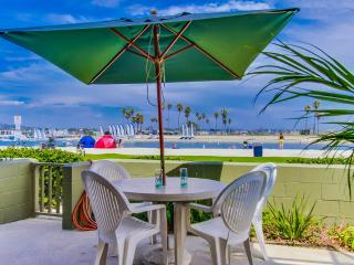 Bayfront Beauty.  Huge waterfront outdoor patio! - Mission Beach vacation rentals