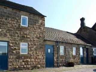 JEBB COTTAGE, pet friendly, character holiday cottage, with a garden in Shottle, Ref 9208 - Shottle vacation rentals