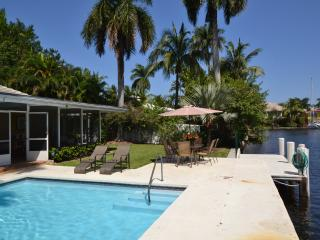 Waterfront, prime location,  heated pool & dock - Fort Lauderdale vacation rentals