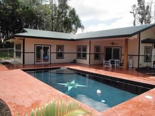 Affordable luxury, 3 bedrooms with a pool - Keaau vacation rentals