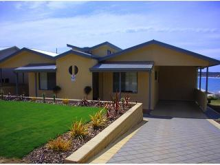 BIRUBI HOLIDAY HOMES, award winning accommodation. - Kangaroo Island vacation rentals
