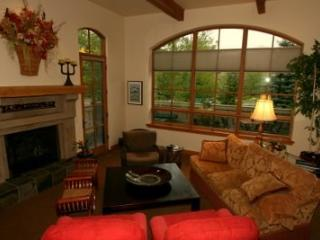Beautiful and Charming Villa in Elkhorn - Ketchum vacation rentals