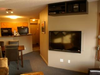 Great Reno! Village-1 Bedroom+2 Sofabeds, LCD HDTV - Whistler vacation rentals