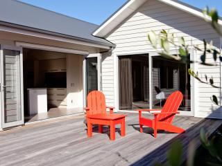 Aotearosa: Boutique holiday home, Wanaka NZL - South Island vacation rentals