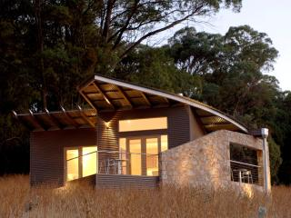The Buckland - Luxury Retreat for couples - Porepunkah vacation rentals