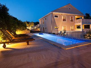 Stunning 5 star property, pool, parking & sea view - Island Brac vacation rentals