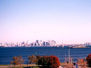 Waterfront Home Accommodates 2-10 View NYC Skyline - Staten Island vacation rentals
